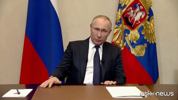 Putin rimanda il voto costituzionale, perchè avanza coronavirus
