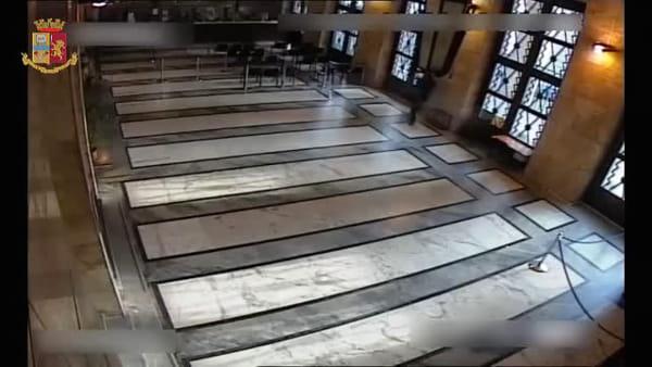 Trieste, il video della sparatoria in cui hanno perso la vita gli agenti Demenego e Rotta