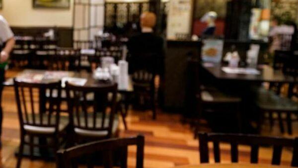 Il coprifuoco alle 23 per cenare fuori la sera