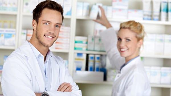 Cercasi urgentemente farmacisti in tutta Italia
