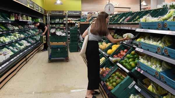 Come risparmiare al supermercato, foto @ansa