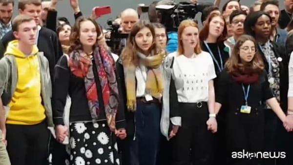 COP25, Greta Thunberg arrivata a Madrid per la difesa del clima