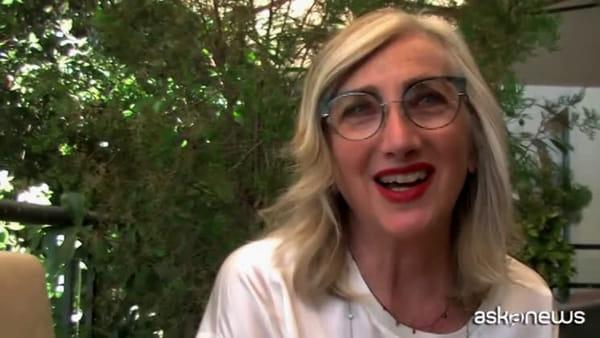 """Lunetta Savino: con """"Rosa"""" la sessualità femminile oltre i tabù"""
