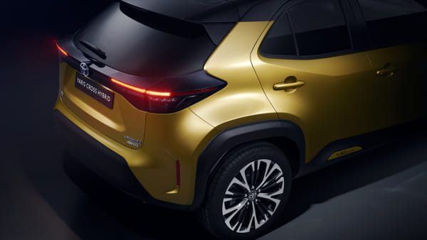 toyota-new-yaris-cross-back-right