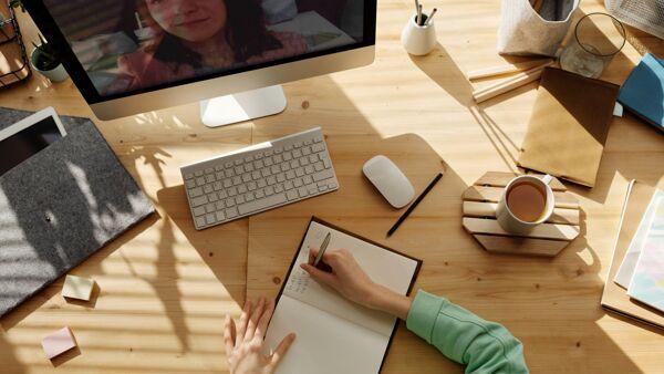 Dall'aula all'azienda: riparte TecnicaMente, il progetto che connette giovani e mondo del lavoro