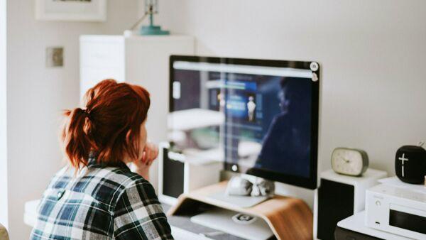 Lavori super pagati da fare in smart working: la top 15