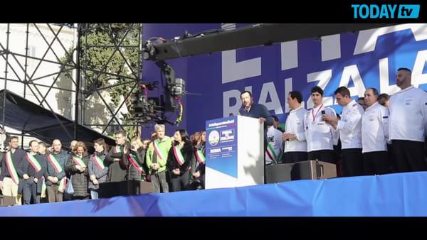 """La promessa di Salvini: """"Non metteremo le mani nelle tasche degli italiani"""""""