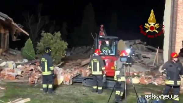 Esplode un edificio nell'Alessandrino, morti 3 vigili del fuoco