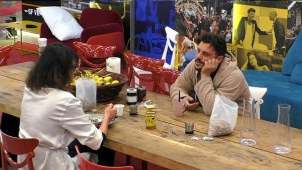"""GF Vip, Andrea Montovoli rompe il silenzio sull'amore: """"Ecco perché sono single da tre anni"""" (VIDEO)"""