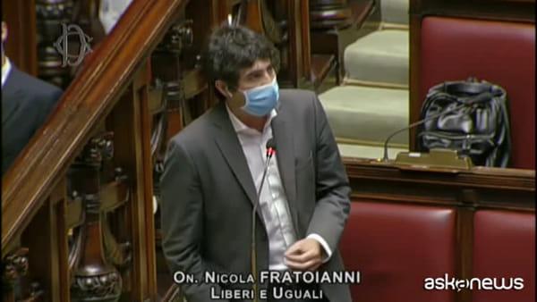 """Caos alla Camera, lite su mascherine: """"I colleghi sputacchiano"""""""