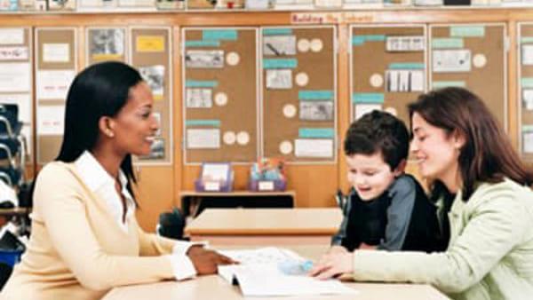 Un buon rapporto tra genitori e insegnanti è fondamentale per l'alunno