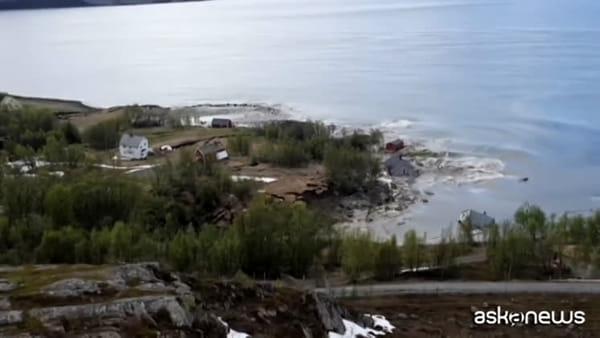 Norvegia: una frana devastante trascina alcune case in mare