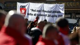 ''Mai più fascismi'': in migliaia a Roma dopo l'assalto alla Cgil