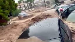 Maltempo, è allerta rossa: persone salvate dalla furia dell'acqua, le zone colpite e le previsioni per oggi
