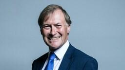 È morto il parlamentare britannico accoltellato in una chiesa
