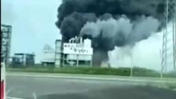 """Enorme esplosione in Germania: """"Colonna di fumo da un impianto chimico"""""""