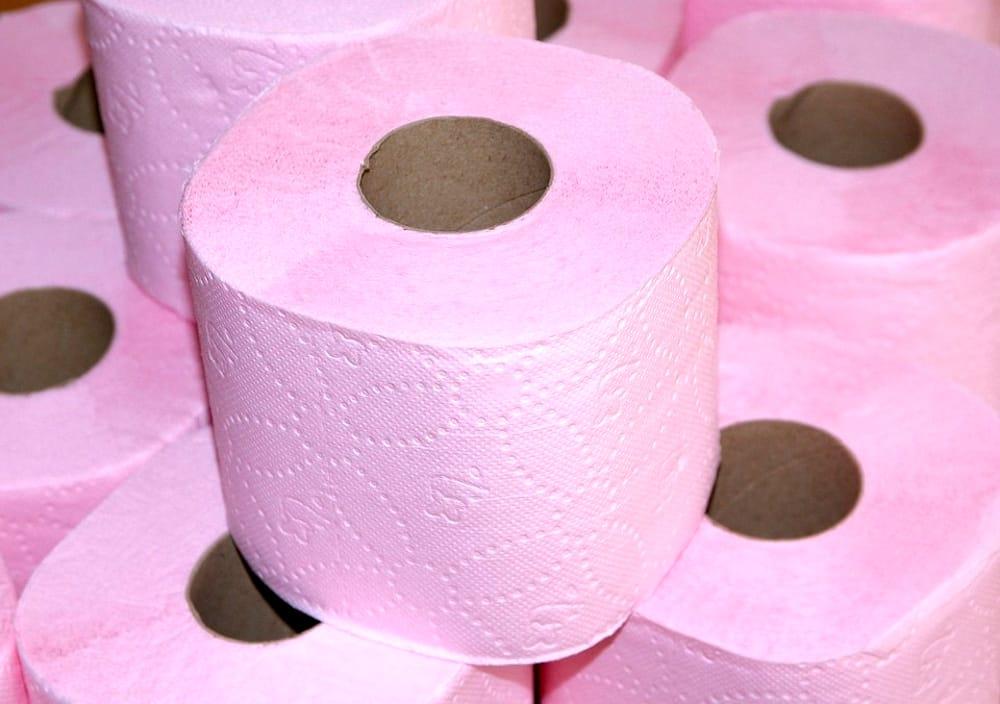 Rotoli Di Carta Igienica : Ruba rotoli di carta igienica vigile urbano finisce a processo