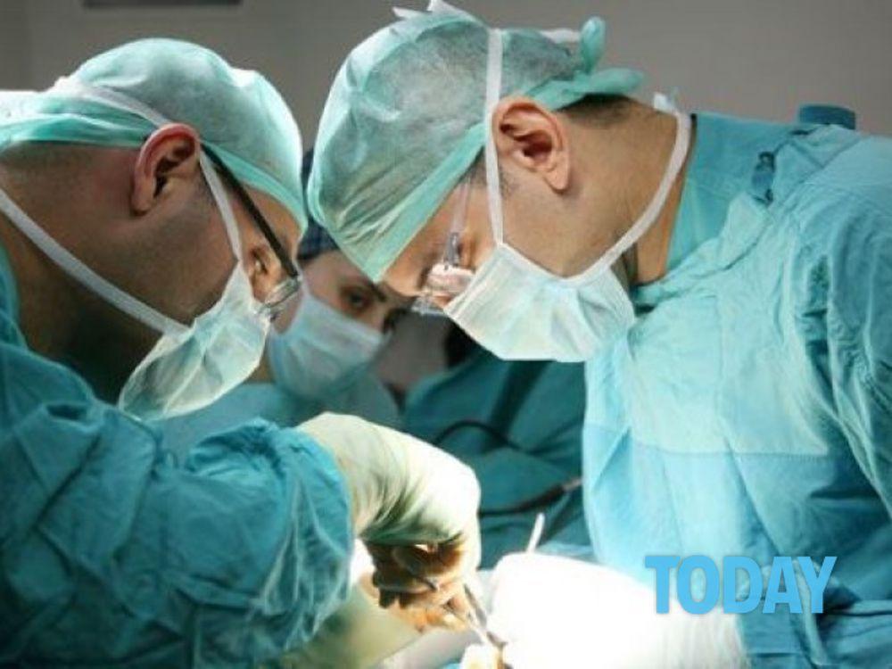 chirurgia del pene artificiale)