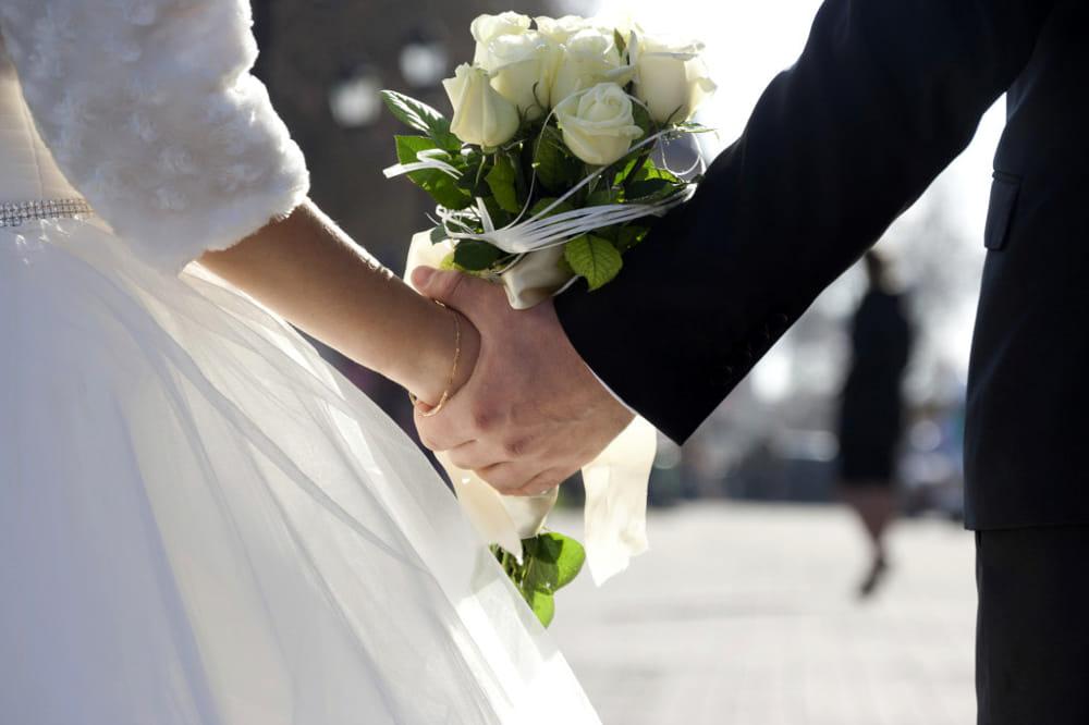 """Gli sposi rifiutano il regalo di 130 euro nella lista nozze: """"Vogliamo di più"""""""