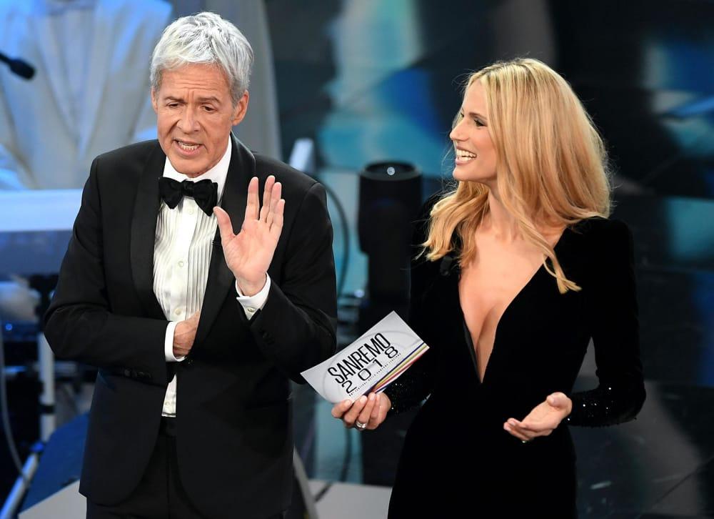 cb7de416fb Sanremo 2018: Michelle Hunziker, primo abito Armani Privè (prima ...