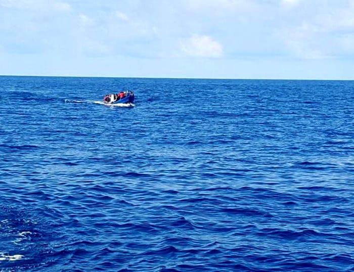 Migranti, sbarchi in Sicilia e Sardegna (Ansa) (1)