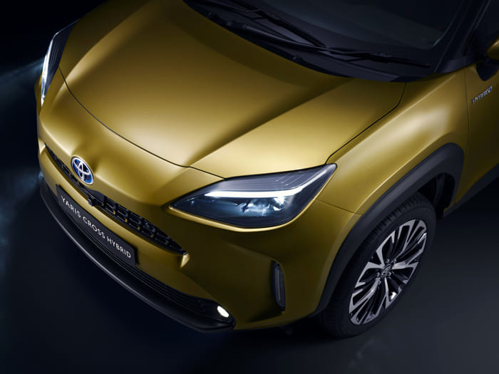 toyota-new-yaris-cross-front-detail