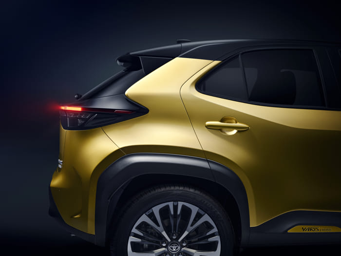 toyota-new-yaris-cross-rear-right-detail