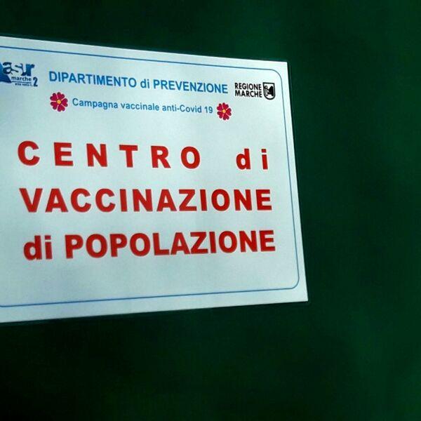 Vaccini: cosa succede adesso con prima e seconda dose in tutte le Regioni