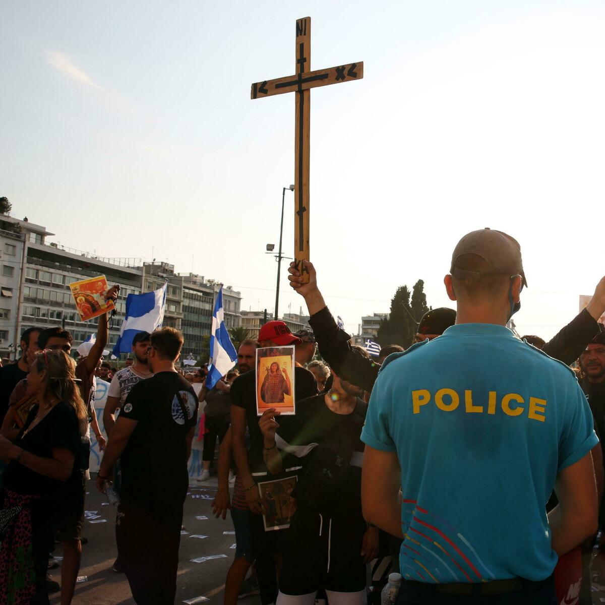 In Grecia anche preti e vescovi alla testa del movimento No Vax
