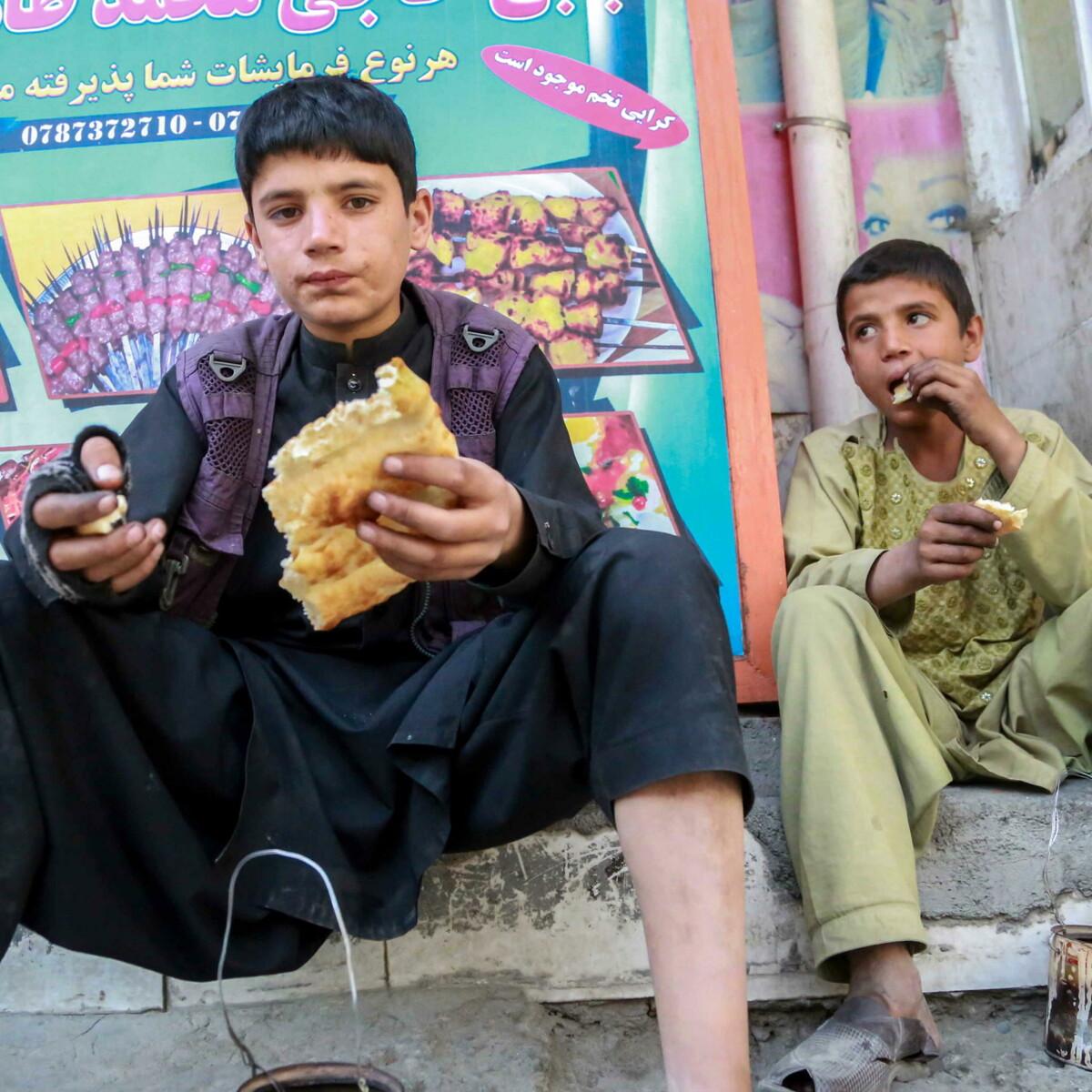 """Afghanistan alla fame: """"Otto fratellini morti di stenti in una casa di Kabul"""""""