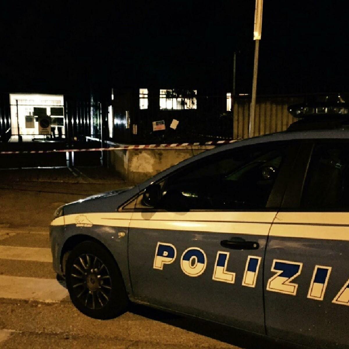 Con la musica nelle cuffiette vicino ai binari: 16enne muore travolta dal treno