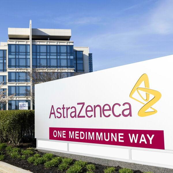 La rivincita di AstraZeneca: dalla causa con l'Ue a volto umano di Big Pharma