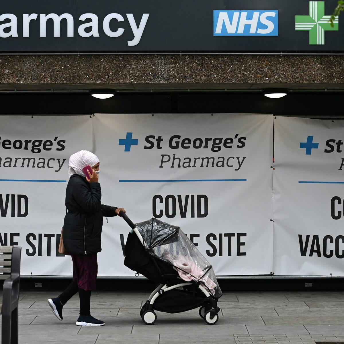 I vaccini funzionano, in Uk ormai si muore 10 volte più di polmonite e influenza che di Covid-19
