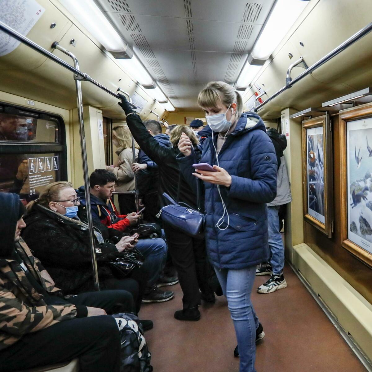 """A Mosca il lockdown solo per gli anziani: """"State a casa per quattro mesi"""""""