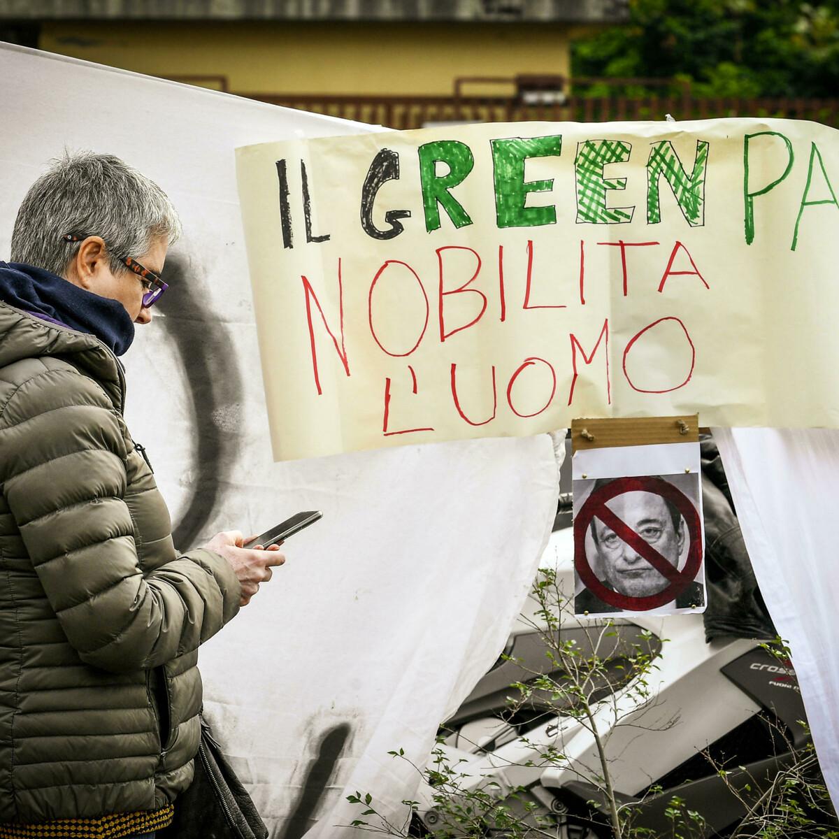No Green Pass tornano in piazza: la protesta non si ferma