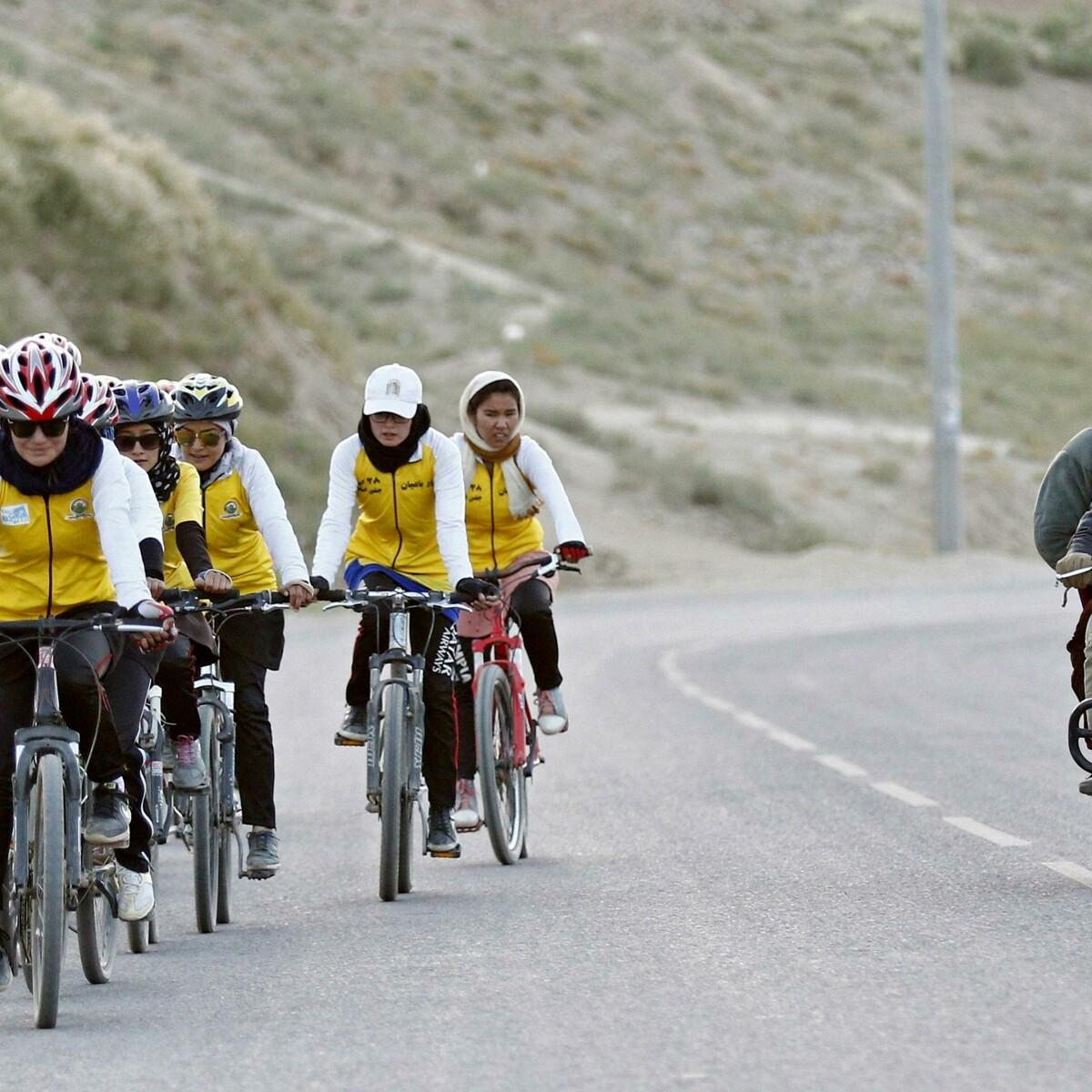 Come la Svizzera ha salvato dai talebani la squadra femminile di ciclismo