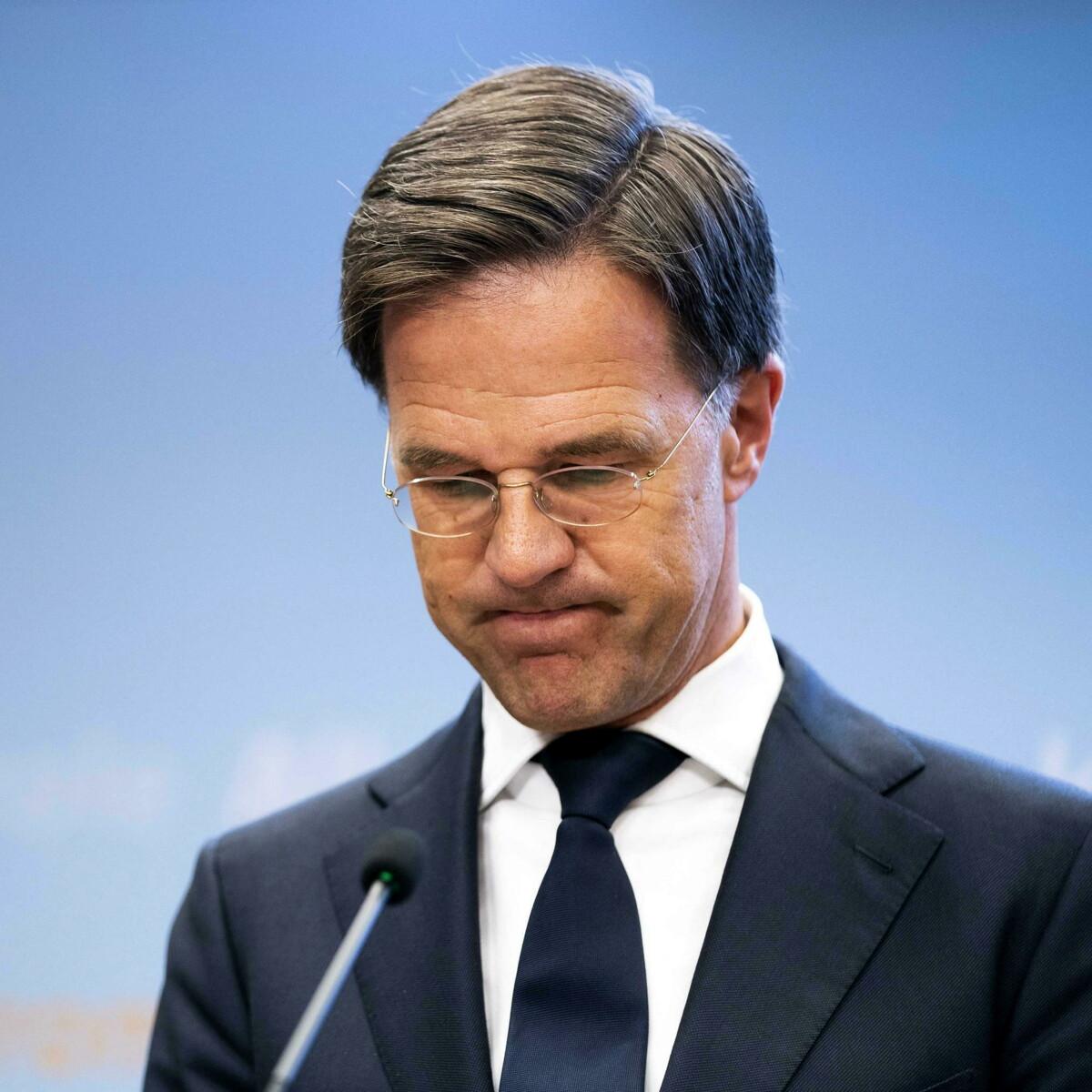 Vittime di un errore burocratico, mille famiglie perdono l'affido dei figli: scandalo scuote l'Olanda