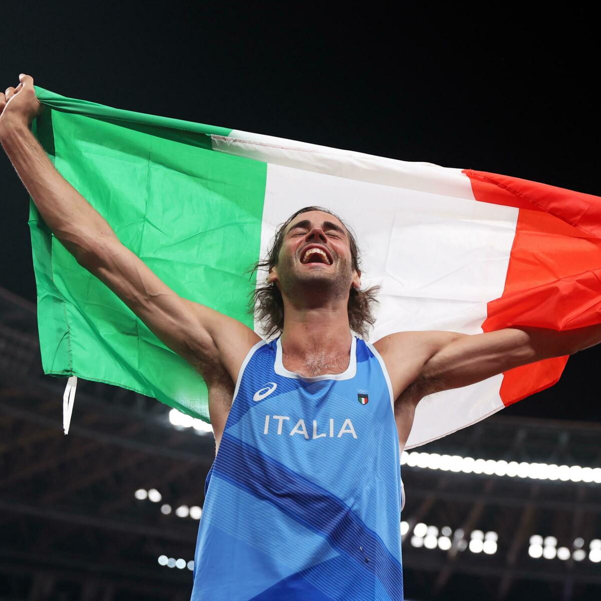 Chi è Gianmarco Tamberi, oro nel salto in alto a Tokyo: la passione per il basket e il riscatto dopo l'infortunio