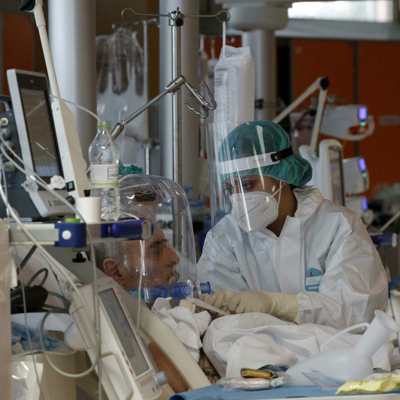 Da dieci anni chiudevamo ospedali (soprattutto pubblici): così la pandemia ci ha trovato impreparati
