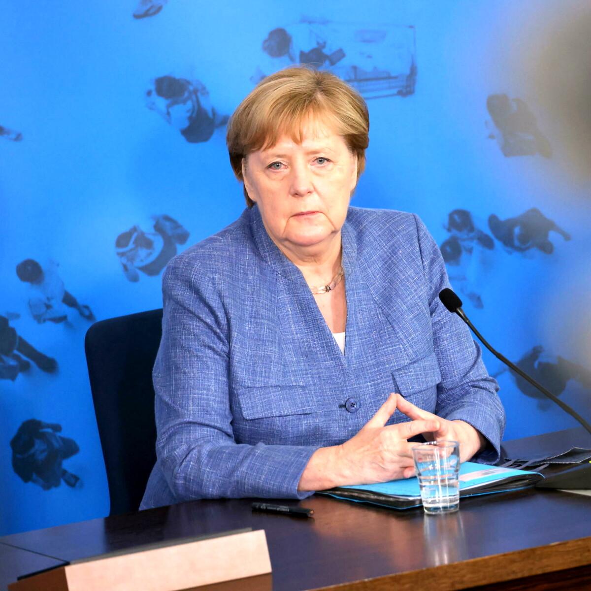 """""""Niente ristorante ai non vaccinati, anche con test negativo"""": ora la Germania pensa alla linea dura"""