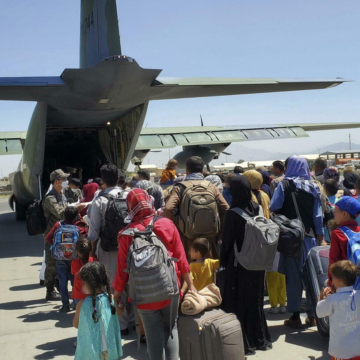 Afghanistan, si dimette la ministra olandese. È l'unica finora in Ue a pagare per il caos delle evacuazioni