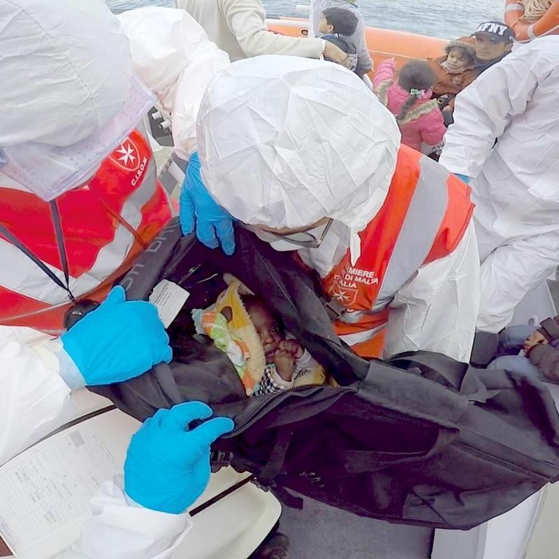 Danilo Tolomeo, il medico in pensione che soccorre migranti a largo di Lampedusa