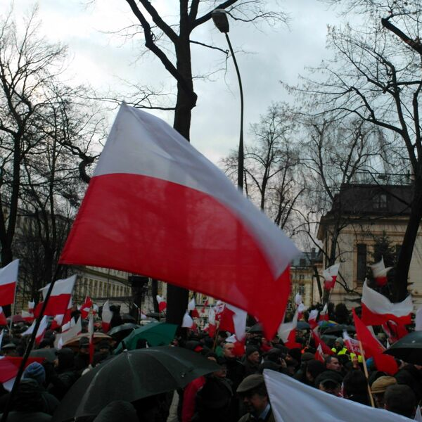 Perché la Polonia è diventata la patria dei sovranisti Ue (e di chi la minaccia)