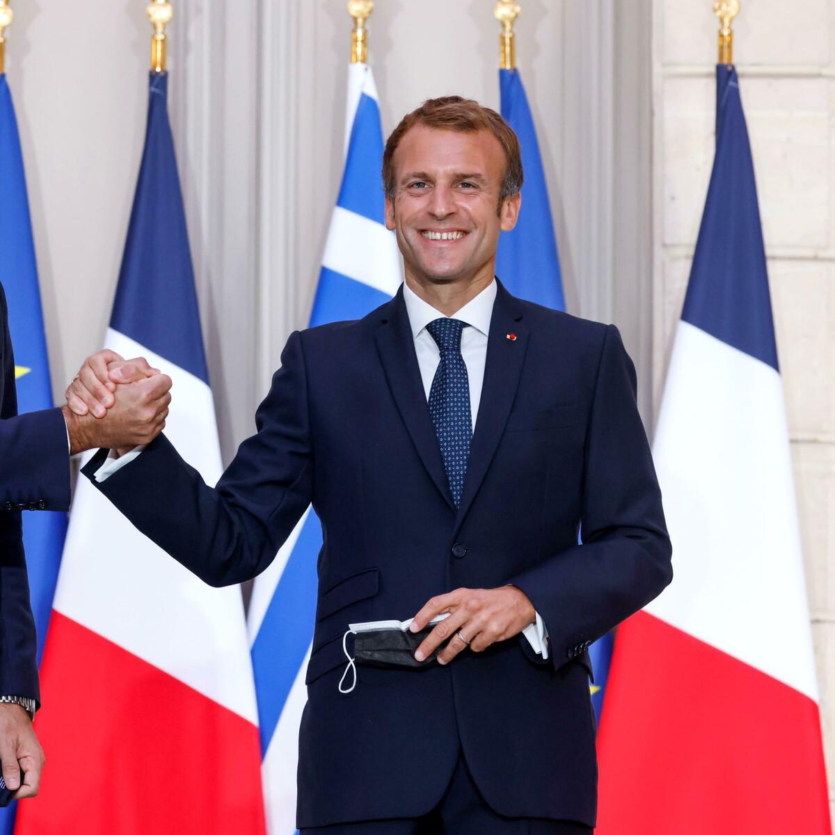 La Francia si consola con la Grecia: appalto da cinque miliardi per navi militari