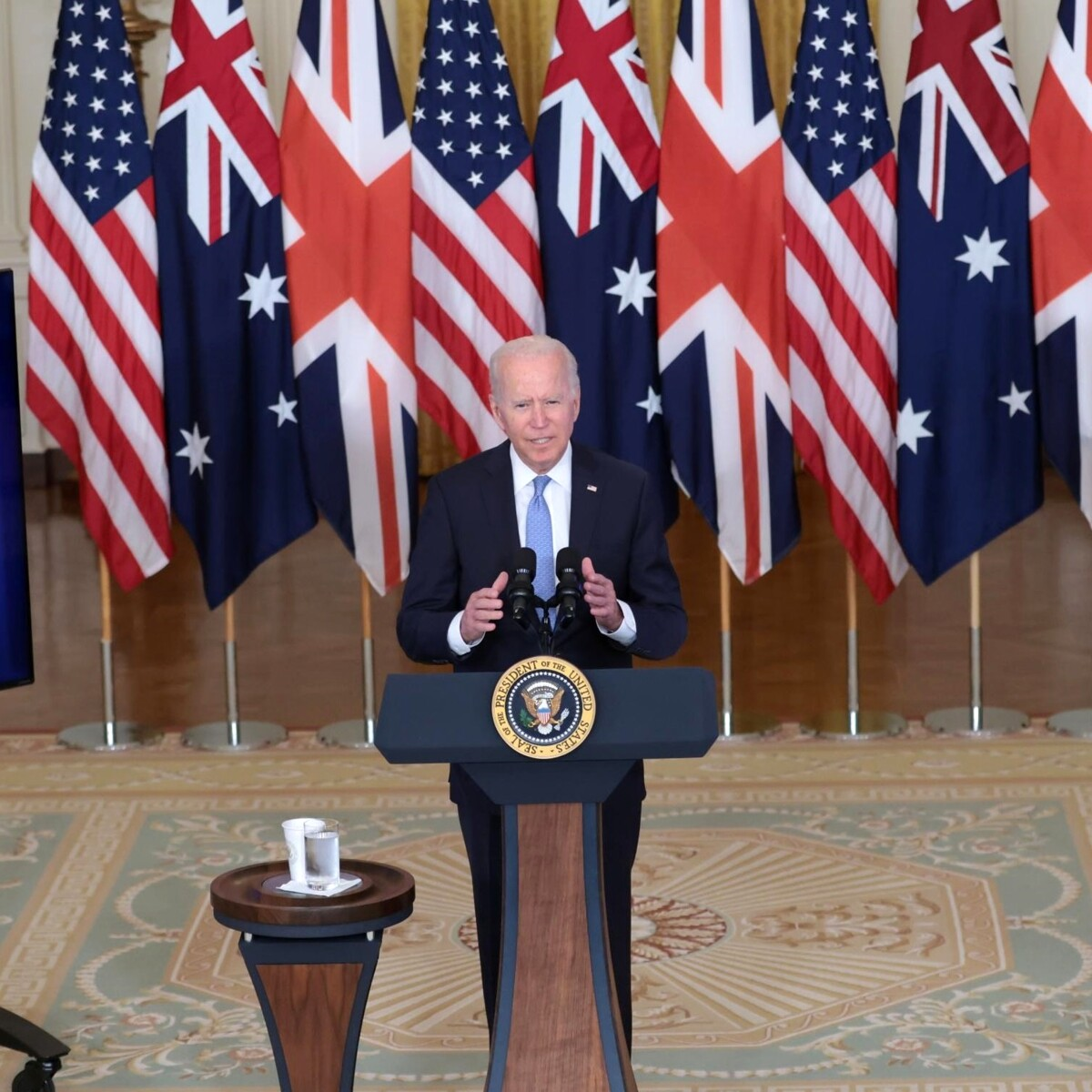 Patto tra Usa, Australia e Regno Unito 'contro' l'esercito Ue (e Parigi perde appalto da 56 miliardi)