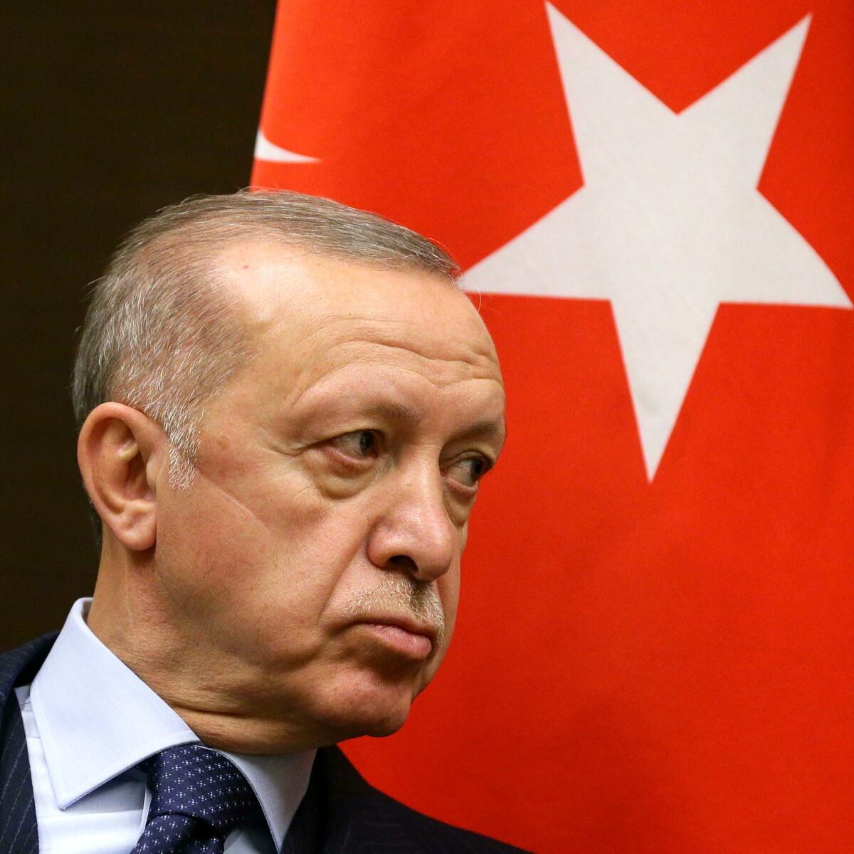 Turchia pronta ad espellere 10 ambasciatori: che succede se Erdogan va fino in fondo