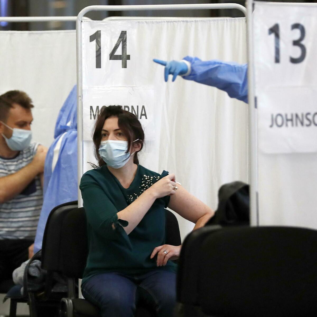 In Romania è record di morti per Covid, e ora i cittadini corrono a vaccinarsi in massa