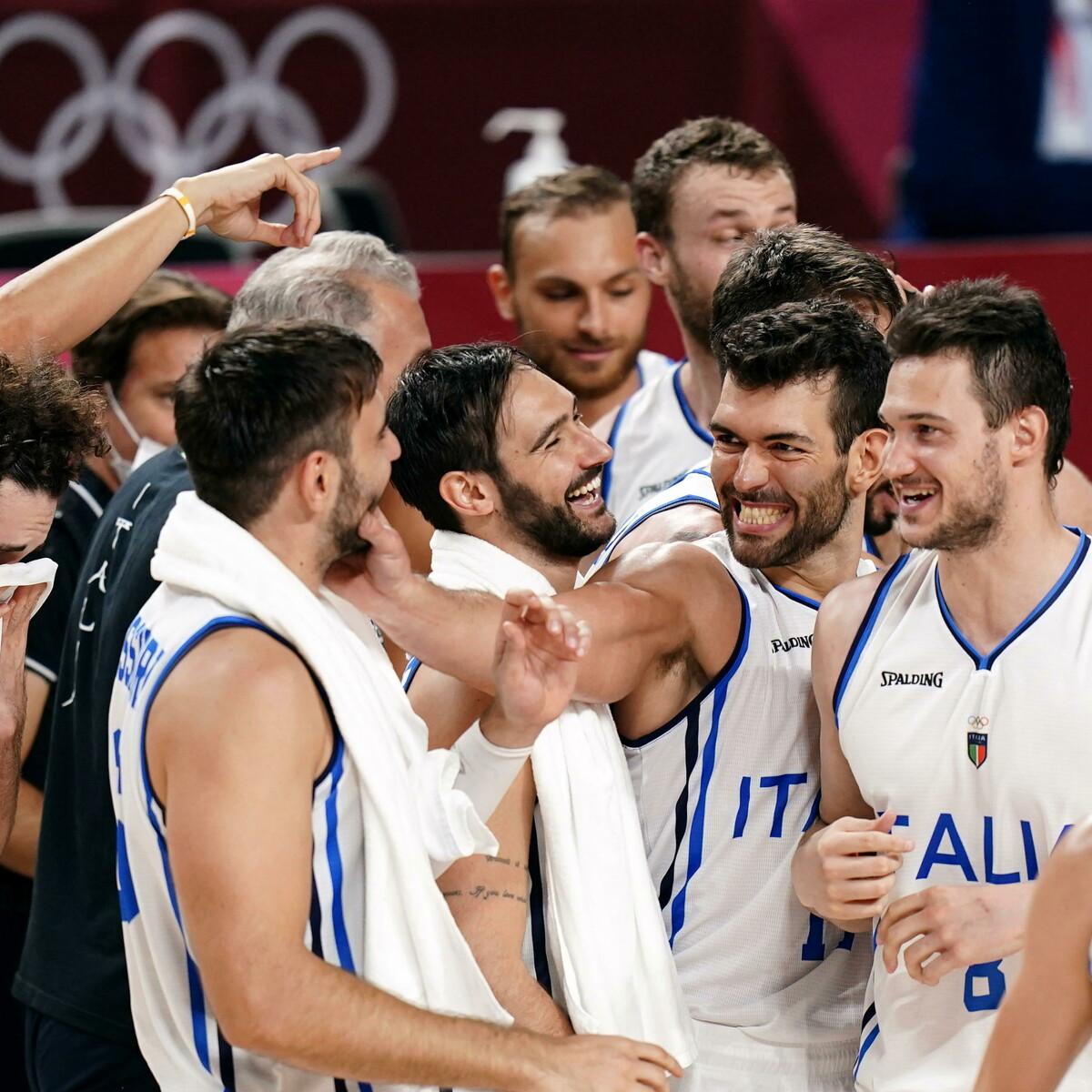 """È una Italbasket da sogno: dopo 17 anni ai quarti di finale delle Olimpiadi. Melli: """"Carattere e sacrificio, così si va avanti"""""""