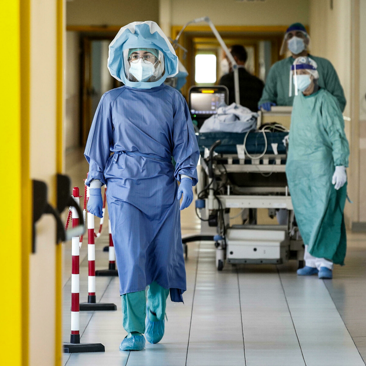 Coronavirus, il bollettino di oggi lunedì 26 luglio: 3.117 nuovi casi e 22 morti. Scarseggiano i vaccini per le prime dosi