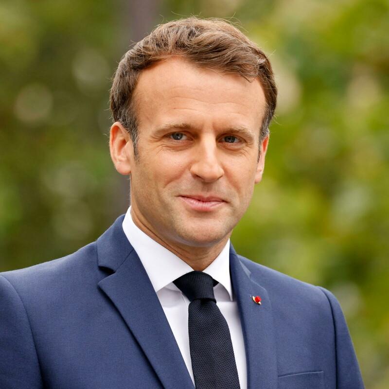Col Green Pass Macron vuole ridurre i contagi, ma anche aumentare i consensi